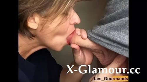 Milf With Lipstick. Suck A Big Cock And Swallow The Cum Greedily [HD]