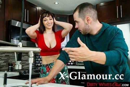 Lexi Luna - Lexi Luna Gets Some Big Cock From Another Man [SD/360p]
