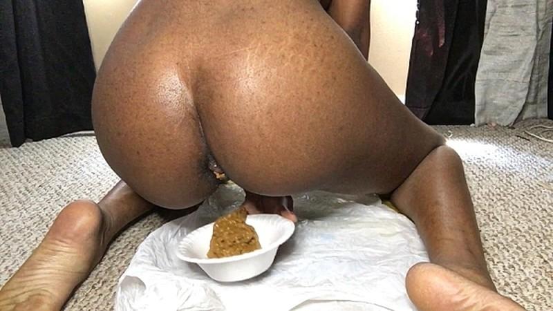 CutieSyren - Poop covered girl [HD 720P]