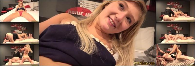 April Aniston, Sadie Madison - Threeway FuckFest (HD)