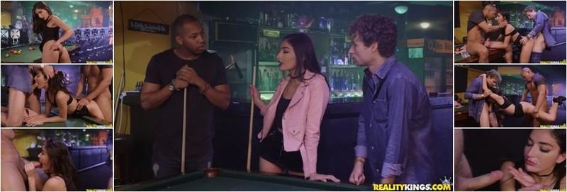 Emily Willis - The Hustle (HD)