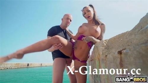 Susy Gala - Orgasms On The Beach (2021/HD)