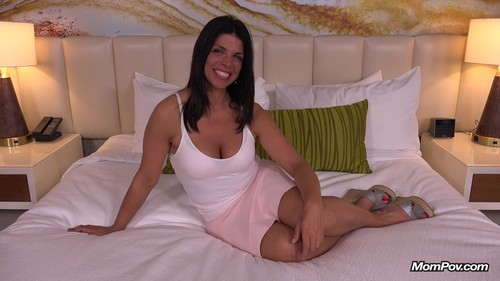 Mompov.com - Nelia Hot all natural Brazilian MILF
