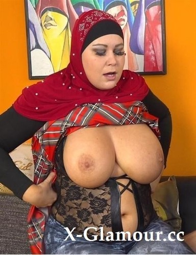 Laura Titaphea - Horny Husband Wants Great Blowjob From His Bbw Wife (FullHD)