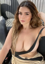 bbbvx56bfzzw - Celebrity Naked or Oops - 1 to 4 Pics Only