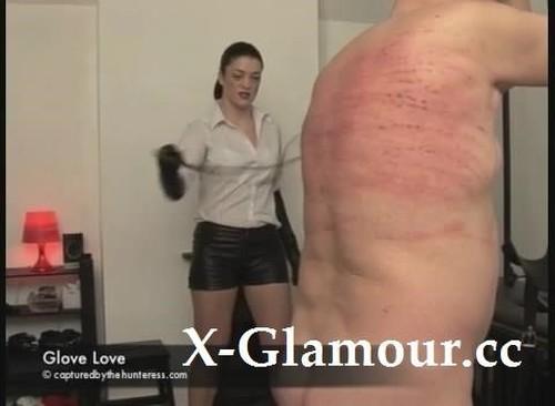 """Glove Love in """"The Hunteress"""" [SD]"""
