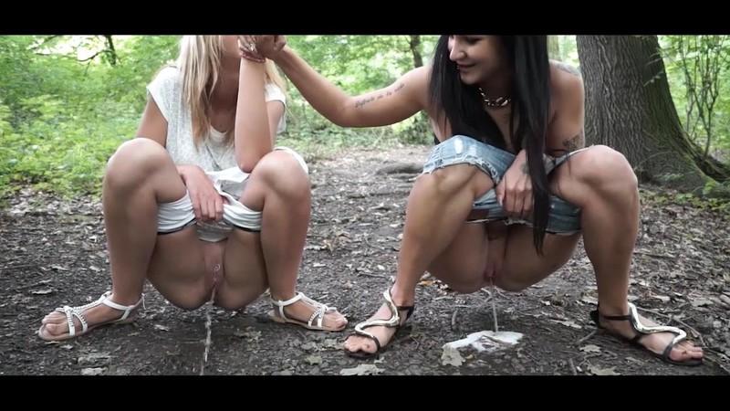 Isabella - Tiffany - Drunk girls pee [HD 720P]