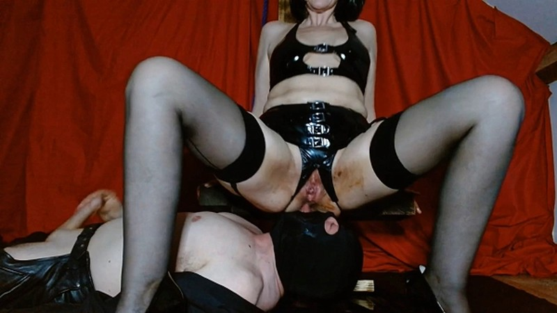 MsSherryBells - Sherry feeds and waters sub [FullHD 1080P]