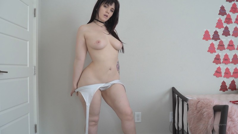 Emily Lynne - Showing Off for My Shy Neighbor [FullHD 1080P]