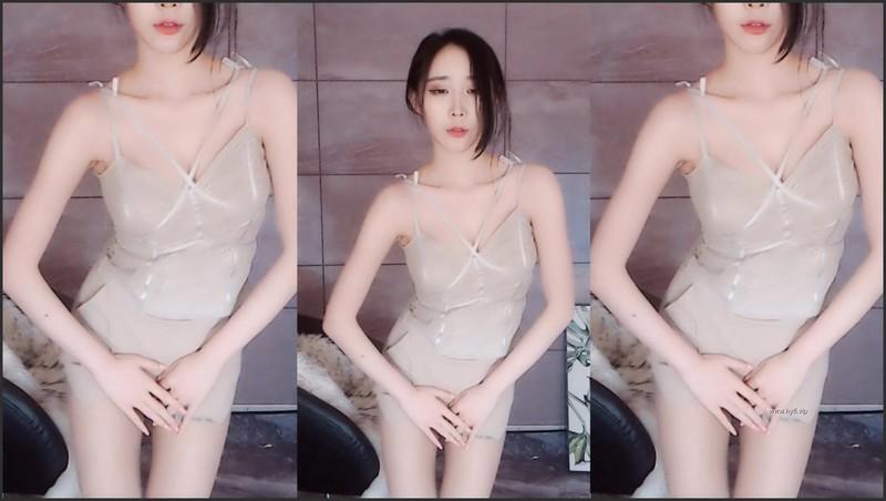 虎牙主播话社暖暖 订制舞蹈视频[15V/1.4G] 虎牙主播-第1张