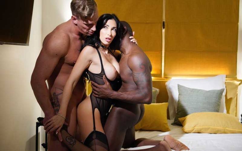 Clea Gaultier - She likes it rough [FullHD 1080P]