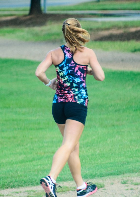 jogger babe in candid lycra shorts