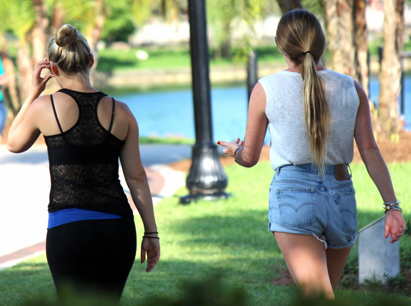 2 lovely teens in jean shorts & yogapants
