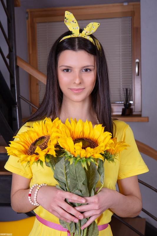 Amelia Grace - Sunny Flower (2021-07-05)