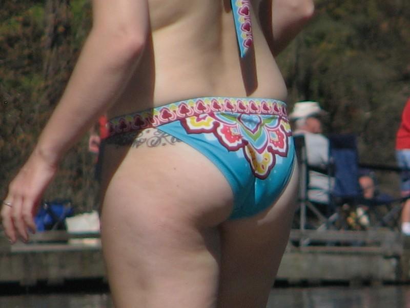 impressive milf booty in sexy bikini