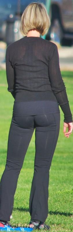 blonde milf in sexy black yogapants
