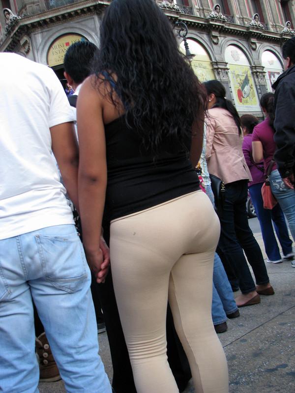 ebony booty in skin colored leggings