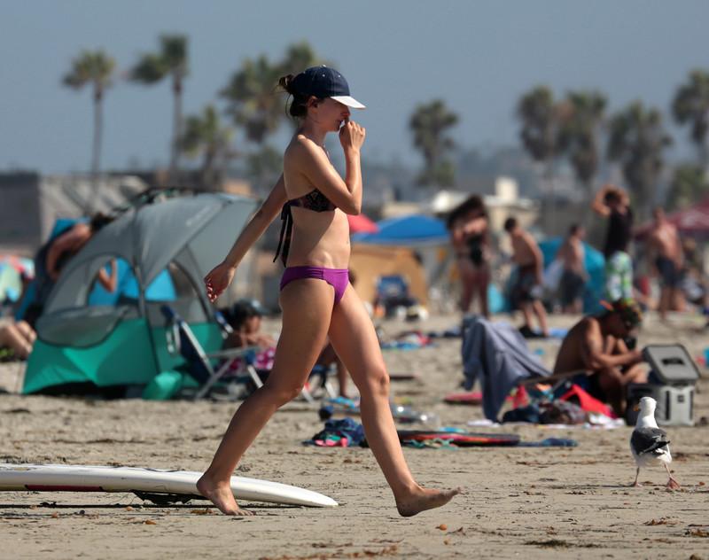sporty lady beach voyeur photo gallery