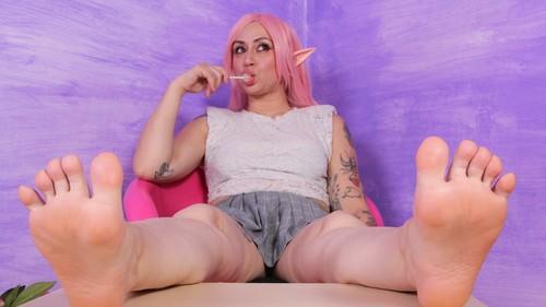 Footfetishbeauties.com- Delightfully bratty daddys girl Ammalia showing off her feet