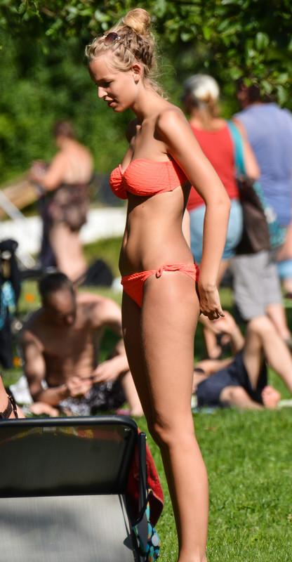 hot bikini girls from local city park