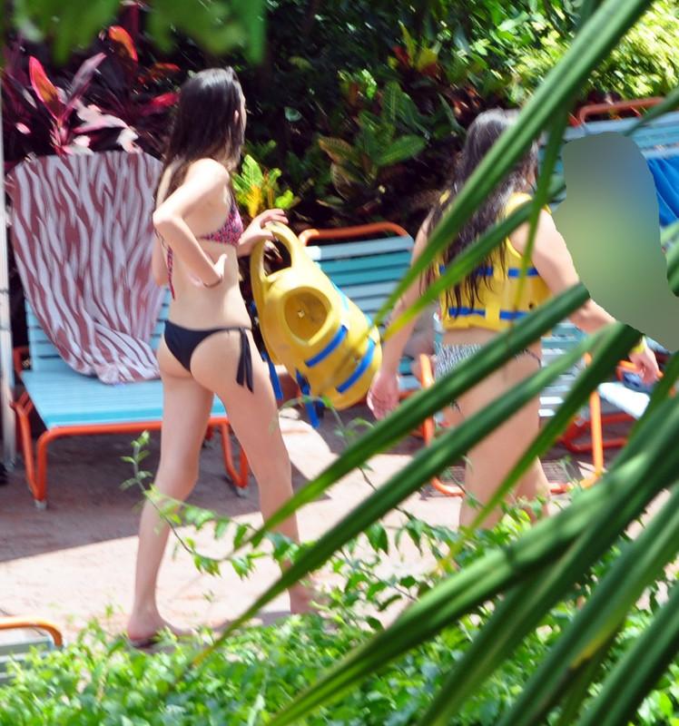 water park girls in bikini