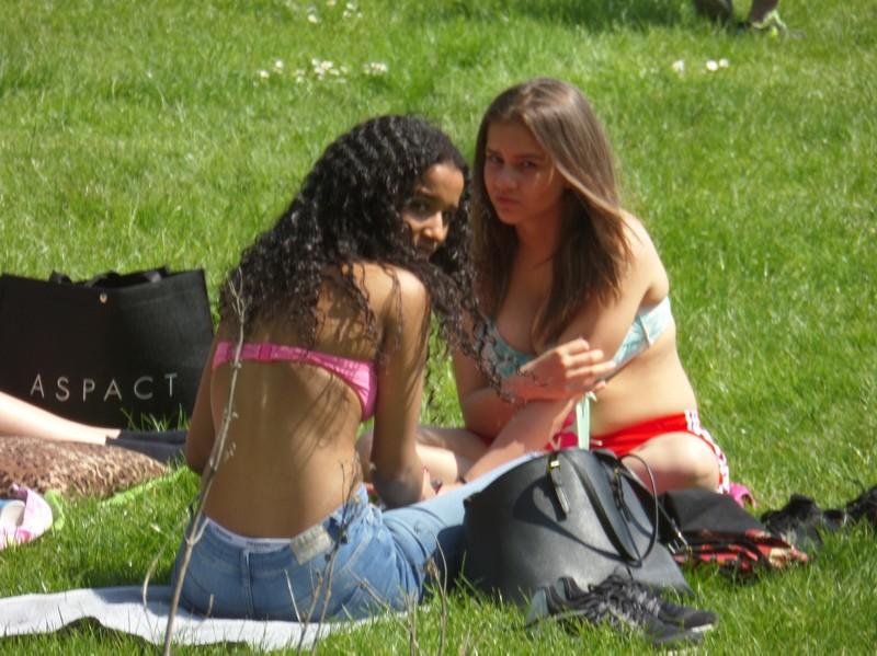 ebony girl in jeans & bikini