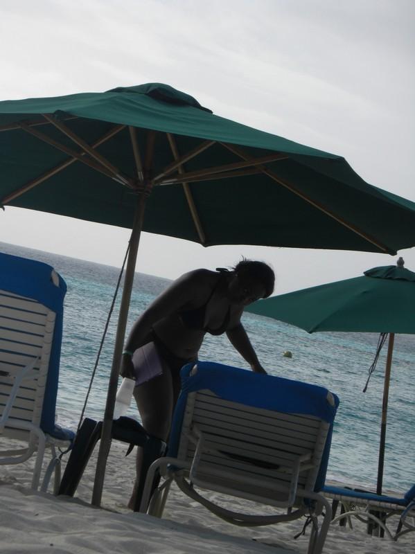 thick ebony woman in black bikini