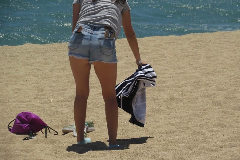 teen undress to bikini