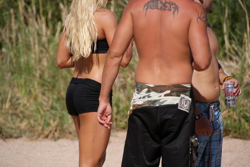 blonde hottie in black yogashorts