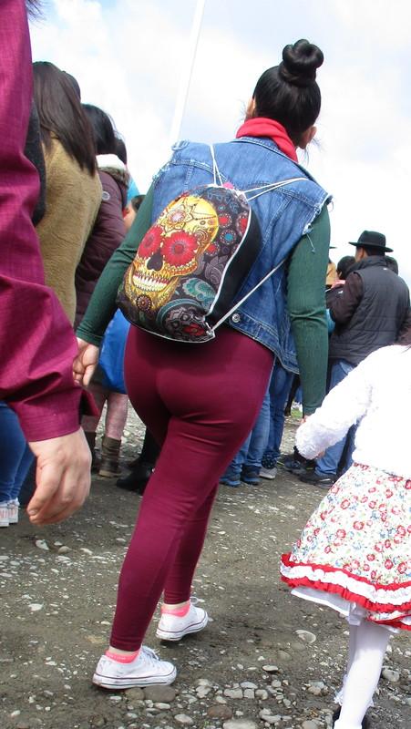 beautiful milf in maroon leggings