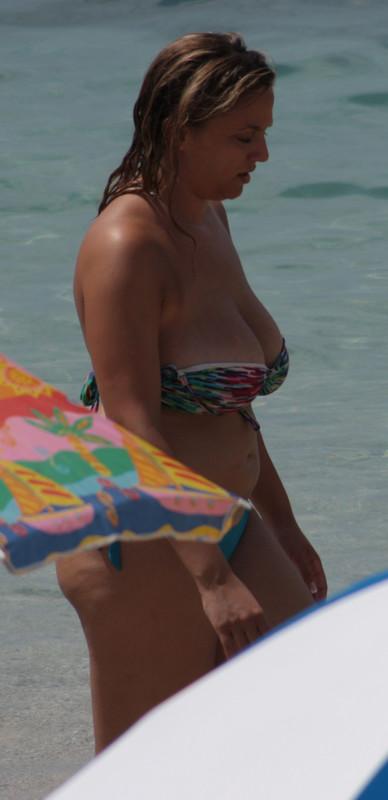 busty milf in strapless bikini