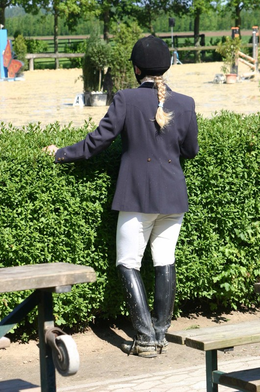 lovely horse competition girls in jodhpurs & boots