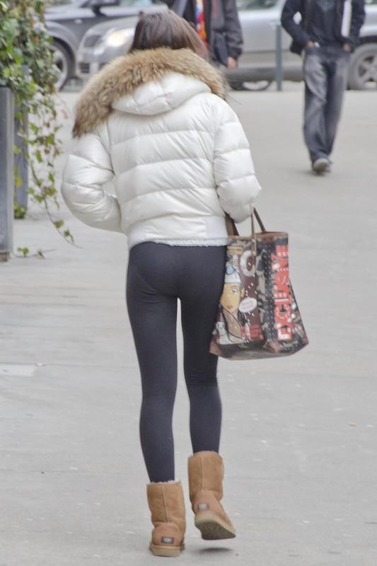 petite college teen in black leggings & ugg boots