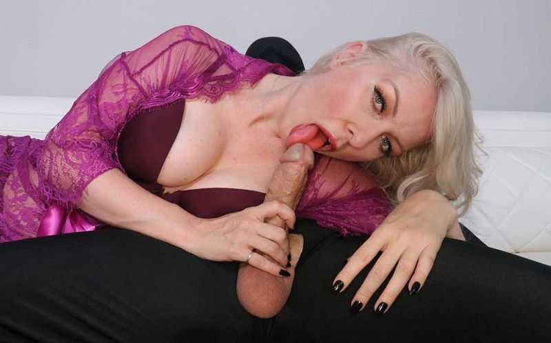 Sydney Paige - Jerking off the mystery man [FullHD 1080P]