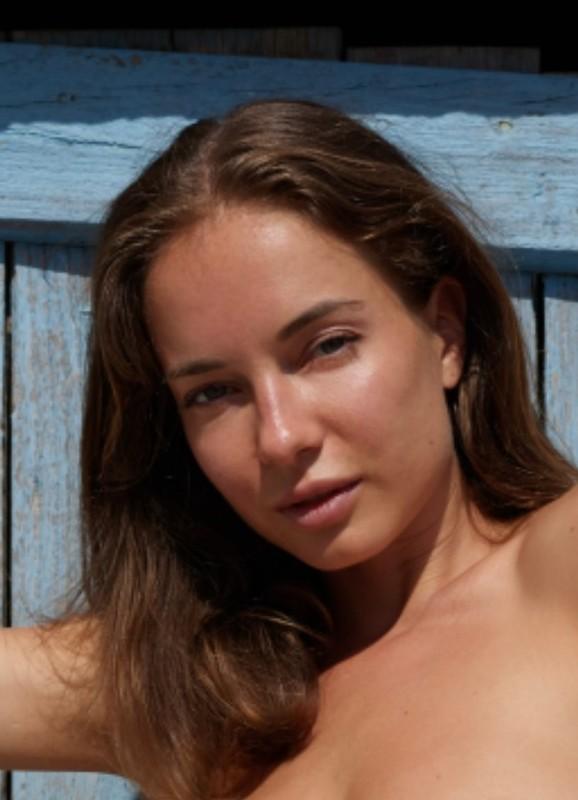 Natalia A- Sexy in Santorini (Aug 22, 2021)