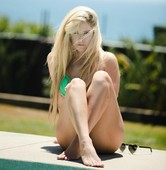 Avril Lavigne Posts Sexy Bikini Pics That Are Almost Too Hot for Instagram!