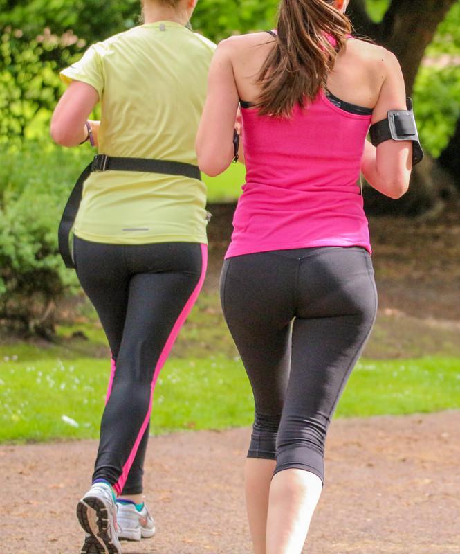 jogger milf butt in yogapants