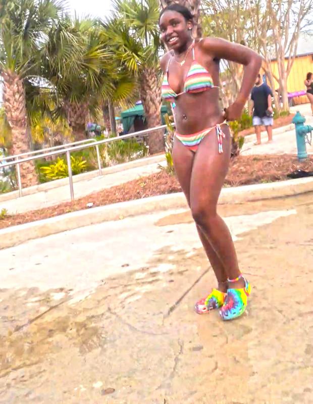 hot ebony babe in wet bikini