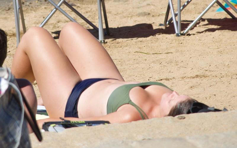 chubby lady in wet bikini