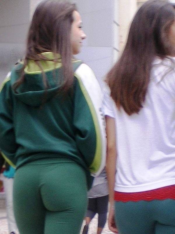 lovely booty in green pants