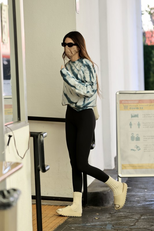 lovely model babe Kendall Jenner in sexy black spandex pants