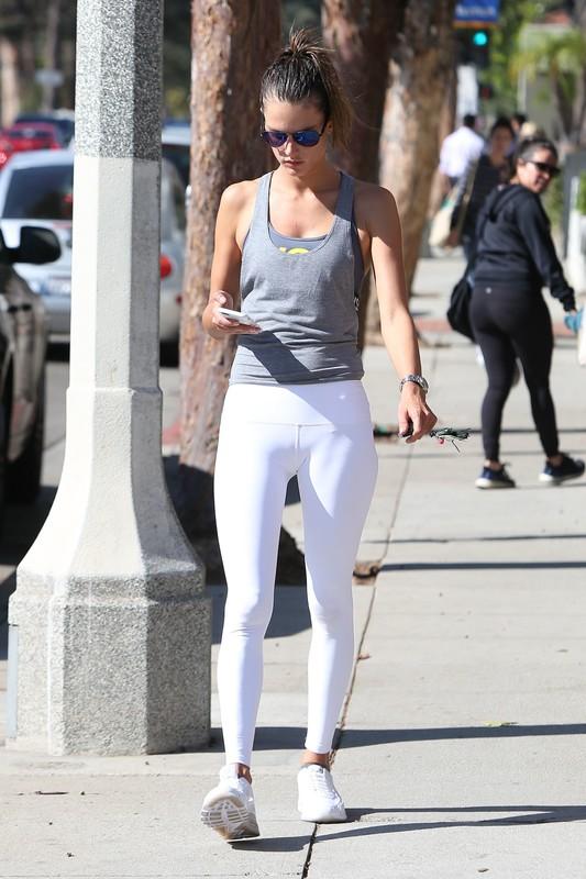 passionate milf Alessandra Ambrosio in white leggings