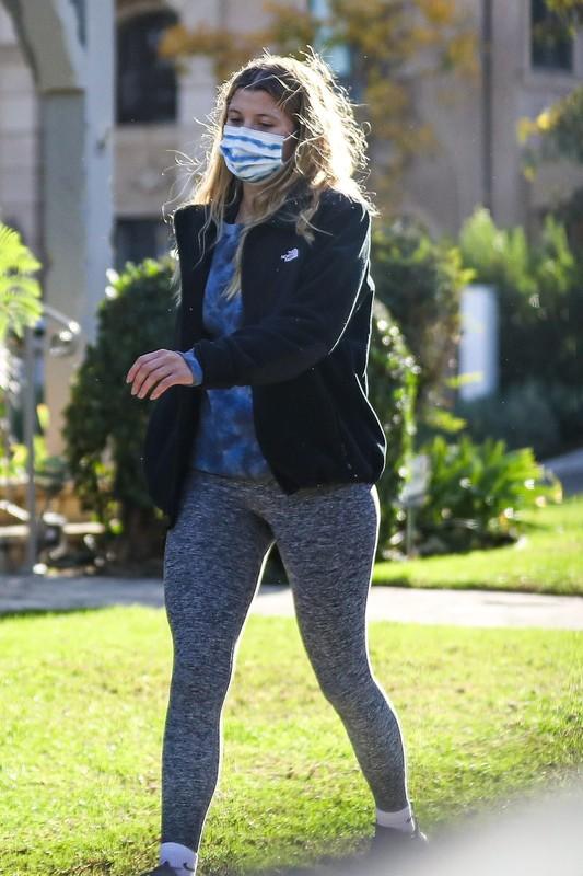 beautiful female Sofia Richie in grey leggings