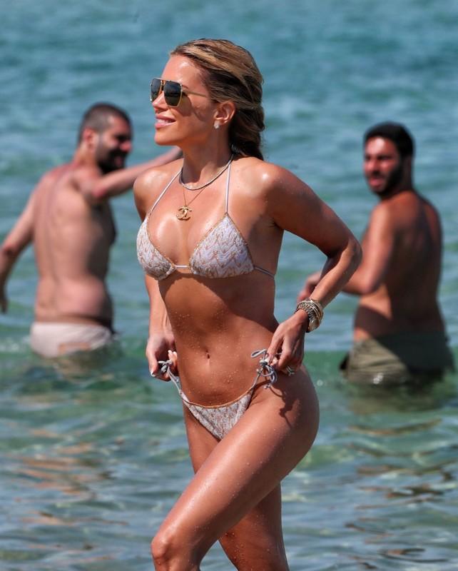 dutch milf Sylvie Meis wet bikini photo album