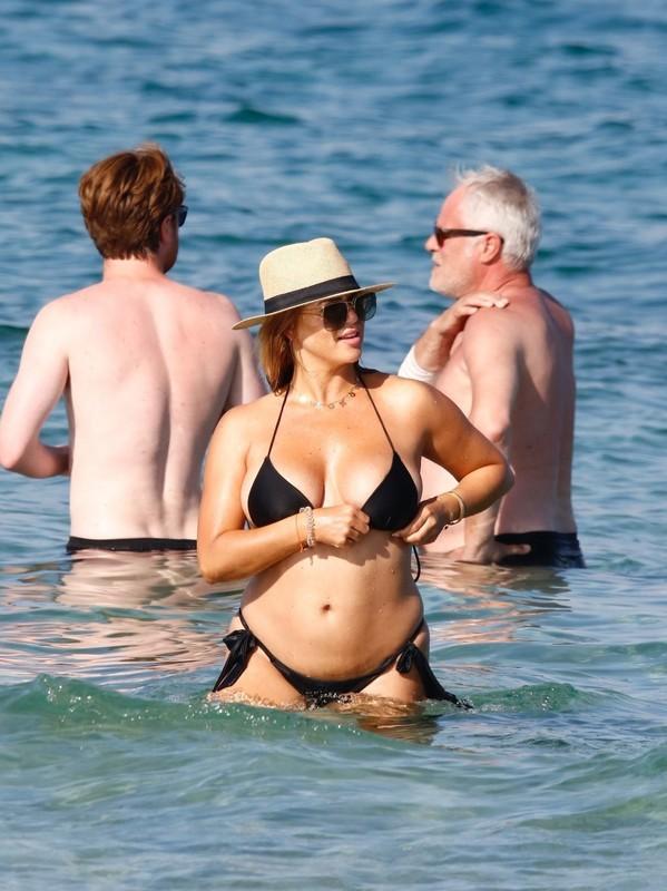 hot german lady Jessica Paszka in black bikini