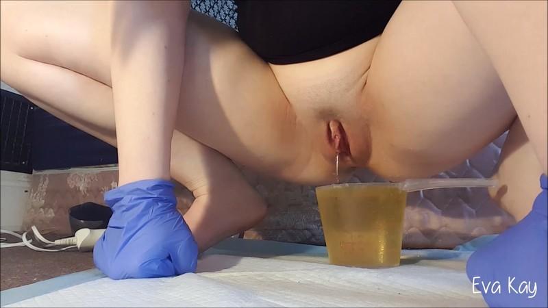 eva-kay - Full bladder orgasm study [FullHD 1080P]
