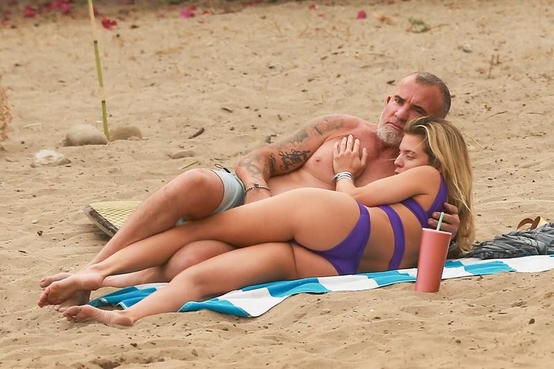pretty babe Anna Lynne McCord in purple bikini