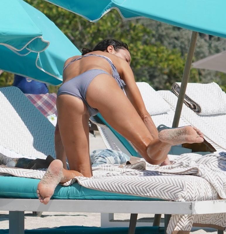 busty dutch milf Lilly Becker in wet bikini